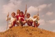Meine Geschwister und ich: Hans-Peter, Claudia, ein Freund, Jürgen, Ingrid (von links)